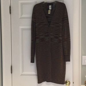 2 piece Jones of N.Y. knit shell and tunic.